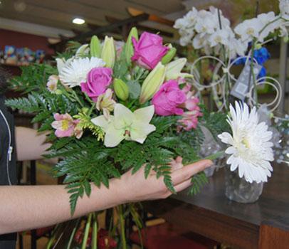 Como hacer un ramo de flores plantas y flores - Como hacer un ramo de flores artificiales ...